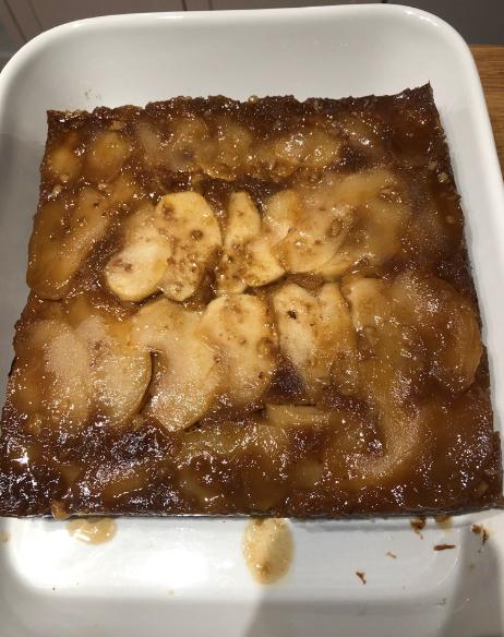 Sticky toffee apple pudding